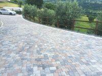 pavimentazione tre pezzi anticato mix stone Basalto